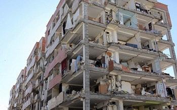 دیوارهای خارجی ساختمان مسکن مهر منطقه سرپل ذهاب در زلزله کرمانشاه - شکل پذیری سازه های بتنی و فولادی - 3